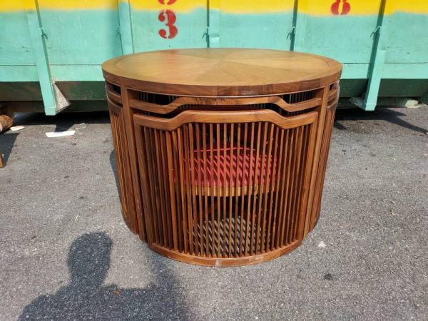 LORENZO WALNUT TABLE WITH NETTED CHAIRS