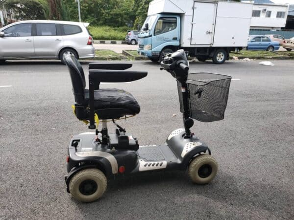 Electric Wheelchairs cum scooter