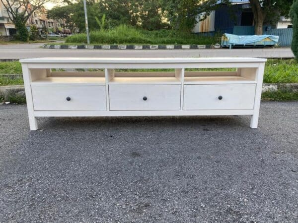 ikea hemnes tv console with 3 drawers in white