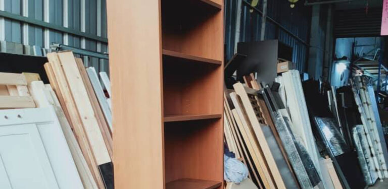 Do ikea bookcases need to be fixed to the wall