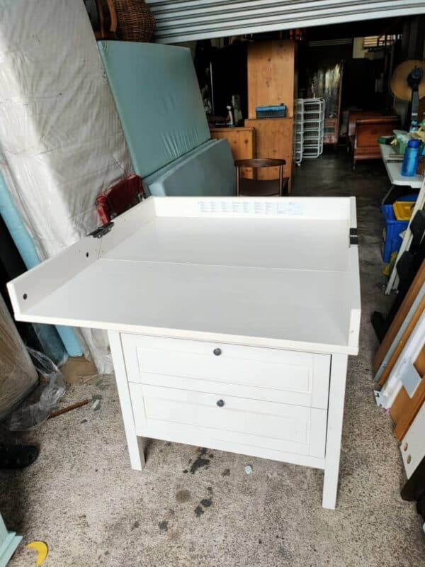 IKEA SUNDVIK BABY CHANGING TABLE IN WHITE