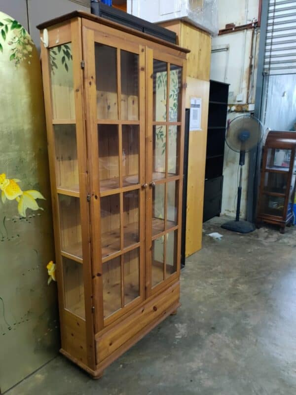 Pine wood bookshelf with glass doors