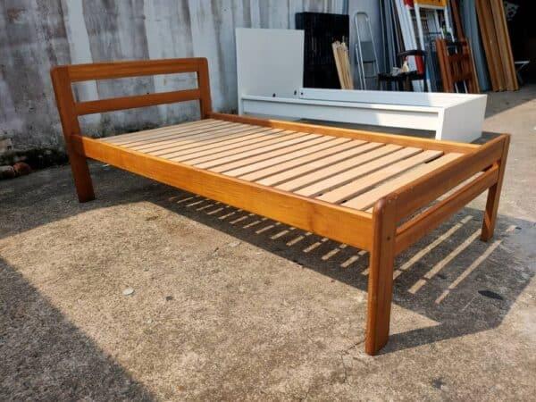 SCANTEAK SINGLE BED
